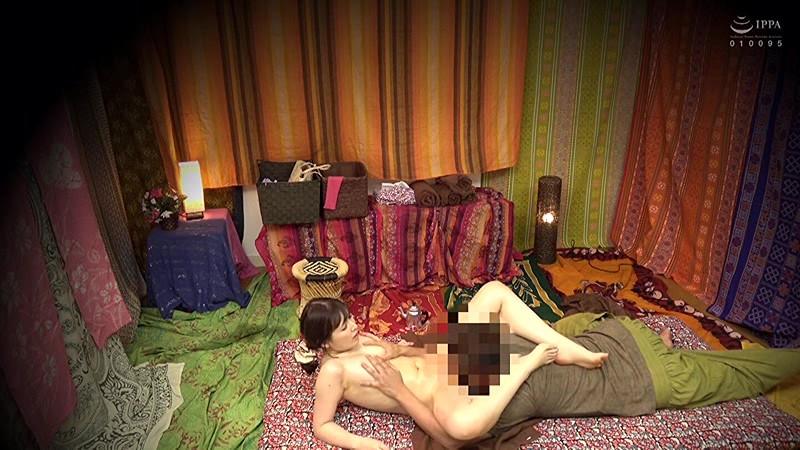 二人でするヨガ。タイ古式マッサージ店盗撮。素人人妻をタイ古式マッサージの無料体験と偽り騙して癒して中出ししちゃいました 池袋編 14枚目