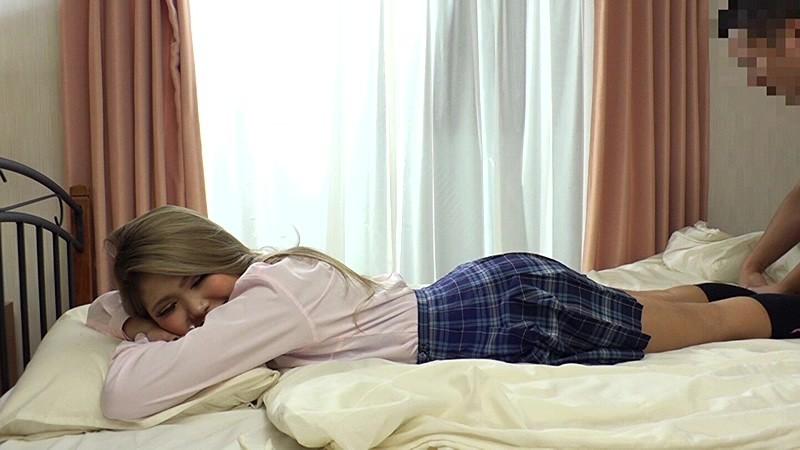 うちの娘にかぎって… 「ダメだよ先生。パパに怒られちゃうよ…。」消えそうな程か細い声でそう言うと僕の娘は間男(せんせい)にカラダを許した【寝取られ】女子校生中出し【NTR】 ひびき HIBIKI 画像4