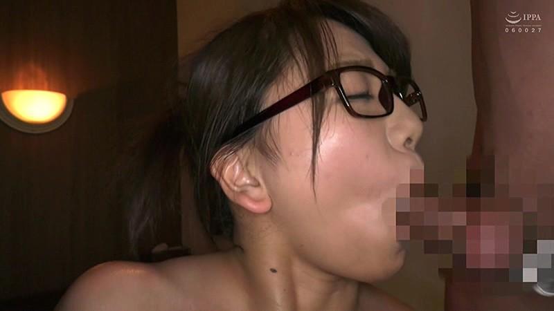 とんでもなくエロい恵体をスーツの下に隠している!地味に人気の巨乳新卒ちゃんと社内恋愛セックス!4時間19
