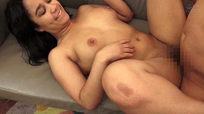 美褐色!ロサンゼルス産の黒人美女ナンパ即ハメAVデビュー! 10枚目