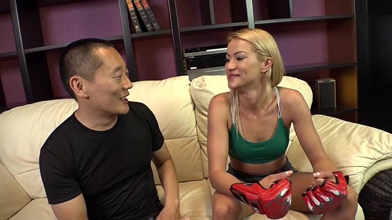 現役MMAチャンピオン日本AV初参戦! 美しすぎる上に強すぎるパツキン美女ファイターがデビュー! チェリー・キス 1枚目