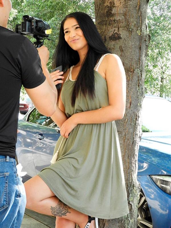 で、でけぇぇぇえええ!!大発掘!100cm Gカップ!ガチ若い!18歳のハンガリー爆乳娘を初撮りデビュー! アヴァ・ブラック(18歳) 3