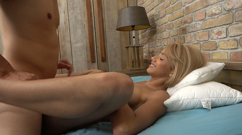 HUSR-216 Studio Big Morkal - She's Got The Looks And The Body For Excessive Horniness! We Discovered Her In South America! An Ultra Exquisite Cute And Genuine Blonde And Slender Tanned Beautiful Gal Who's Cum To Japan To Have Raw Sex With Japanese Men!