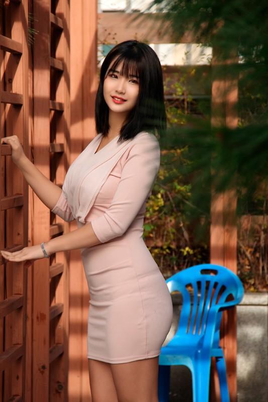 国境を超えて見つけた逸材!韓国現地でオルチャン美女をナンパ即ハメ!極上韓流美女でAV撮りました。石○さとみ似のセボンちゃんと幼顔のヨルンちゃん!