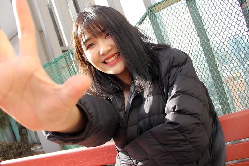 【FANZA限定】国境を超えて見つけた逸材!韓国現地でオルチャン美女をナンパ即ハメ!極上韓流美女でAV撮りました。石○さとみ似のセボンちゃんと幼顔のヨルンちゃん! パンティと生写真付き2