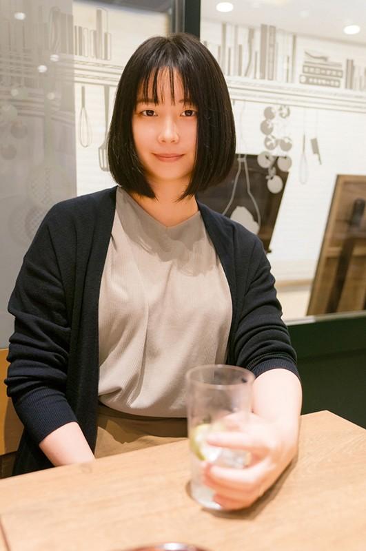 奥さん、一緒に飲みませんか? 人妻にお酒とザーメン飲ませてみました @新宿 地方の人妻限定 巨大バスターミナル前で訳アリ人妻をナンパしてみた8 8枚目