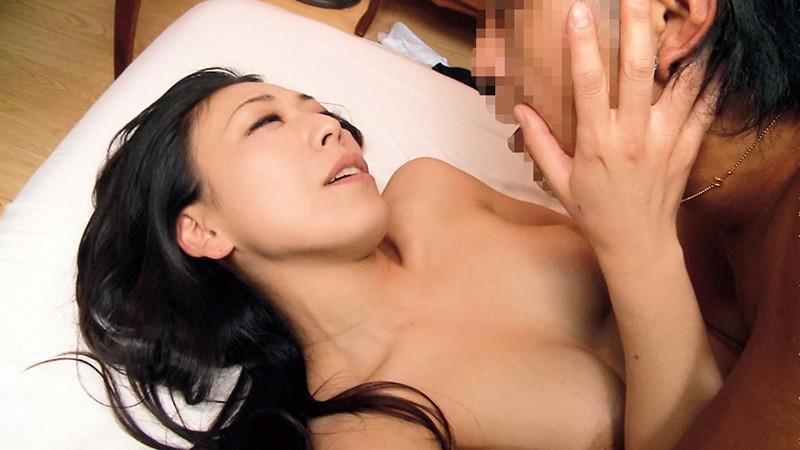 青山真希 from 中出しお義母さんが教...
