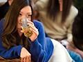 お酒のシーズン到来!! 普段は地味で清楚だけどパリピデビューの女の子を酔わせて理性吹っ飛び濃厚SEX 15人4時間