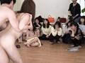 素人熟女を発情させろ!AV撮影現場観覧募集でやって来たカモ...sample4