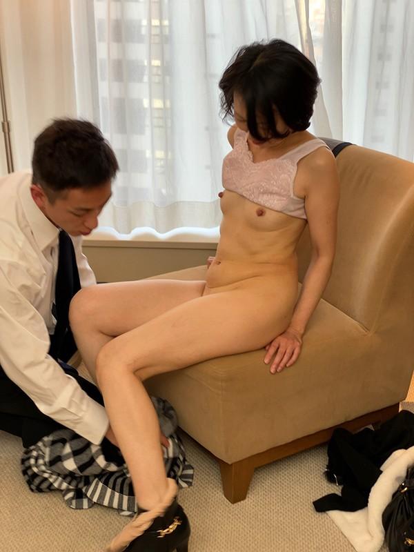 素敵な婦人 息子に会いに上京したはずなのに…イケメンナンパ師のテクにメロメロ 光代さん49歳 キャプチャー画像 9枚目
