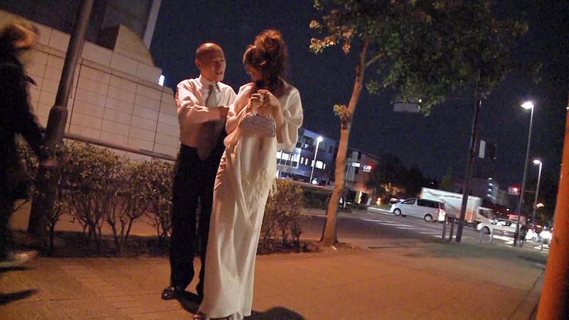ずっと狙ってた極上のキャバ嬢をアフターでお持ち帰りキャバドレスのままハメ倒し!! 12人4時間