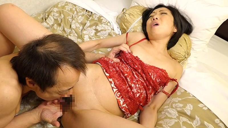 おばチラGET 実在する無垢な熟女の恥じらいEXPRESS 4時間SP 3サンプルF12