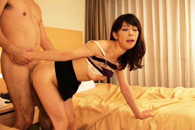 熟女の魅力 性欲をガマンできない熟した肉体がいやらしく絡みつく12人4時間サンプルF18