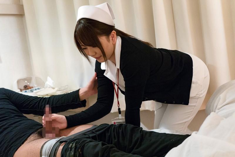 夜勤中の人妻看護師覗き 7 1枚目
