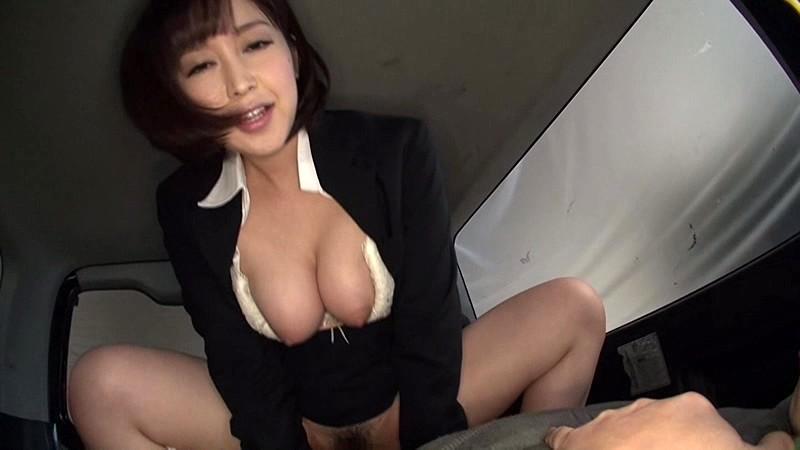 【篠田ゆう枕営業】美人でエロい巨乳のOL、篠田ゆうのフェラ中出し誘惑プレイ動画!羨ましい限りです…。