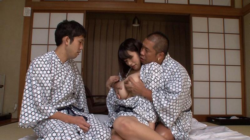 温泉NTR旅行 春菜はな 好きな男優とのデート企画だったのに… キャプチャー画像 18枚目