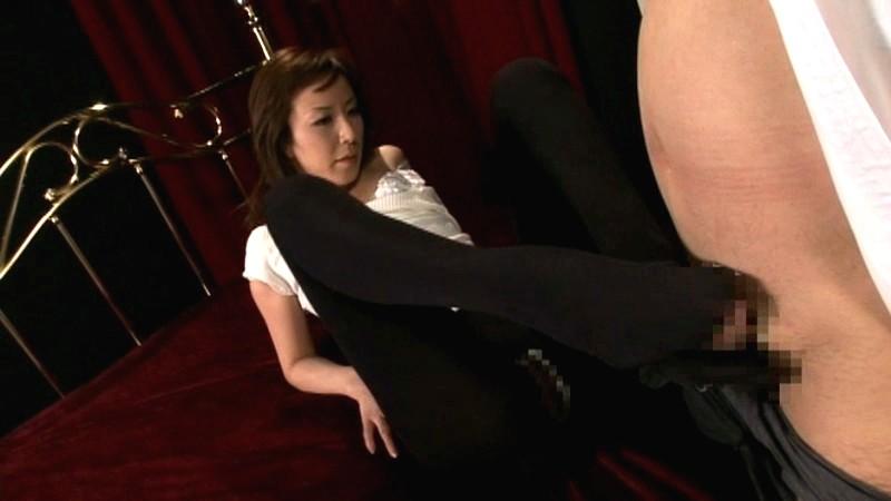 黒タイツが似合う美脚H秘書 高坂保奈美 画像18