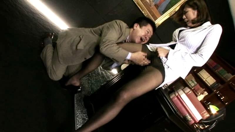 黒タイツが似合う美脚H秘書 佐伯奈々 画像16