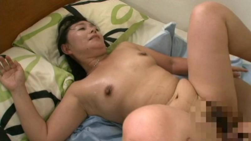 ボンレス巨乳 人妻100人8時間 画像8