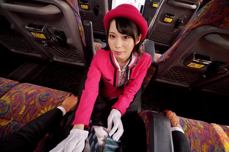 """【エロVR】美人バスガイド""""川菜美鈴""""が疲れた乗客にカラダを使った過剰な癒やしサービス♪"""