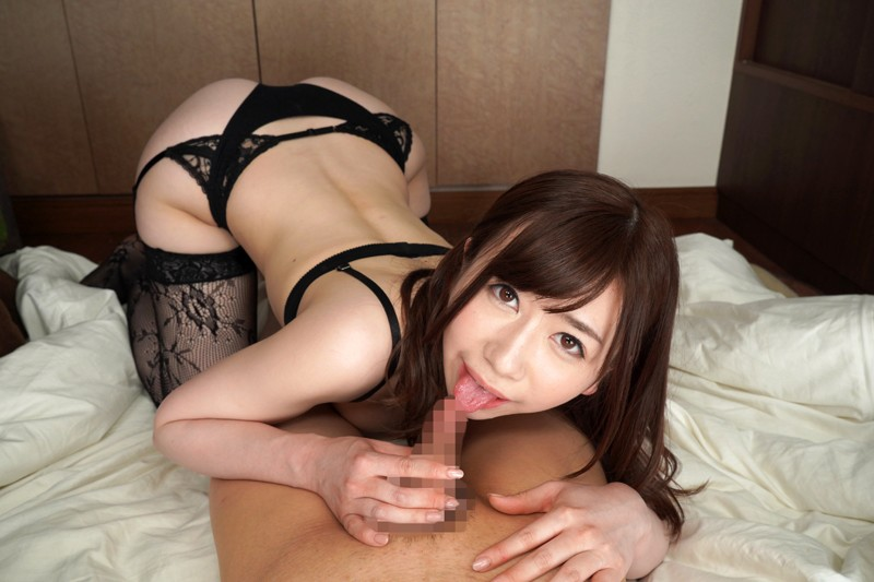 大浦真奈美のチ○ポ舐め先っぽをチロチロを舐める