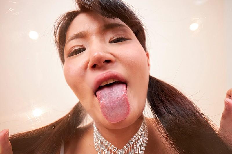 加賀美まりの白濁ザラ汚舌13