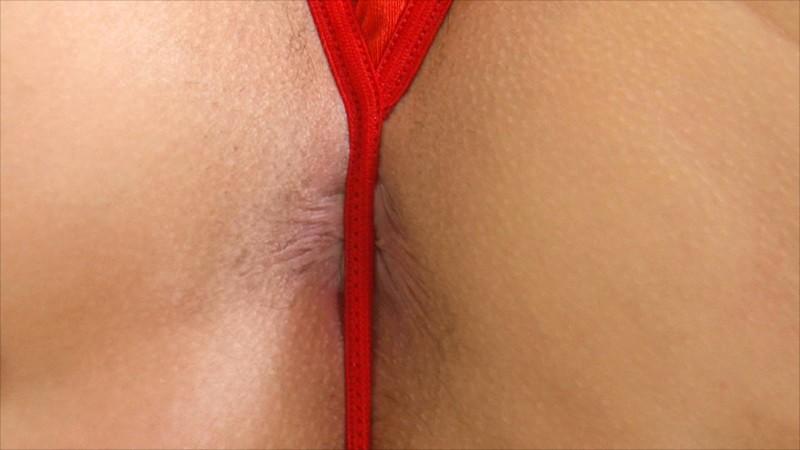 女の子のパンティってこんなに小さくていいの?隠しきれてないっぽいんだけど?小さ過ぎるパンティが食い込む下半身を目の前で見せつけられるエロ動画まとめ の画像4