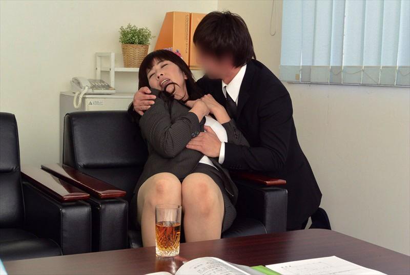 専業主婦の妻をだまして高い時給をエサにセクハラパート面接させたリアルドキュメント 10枚目