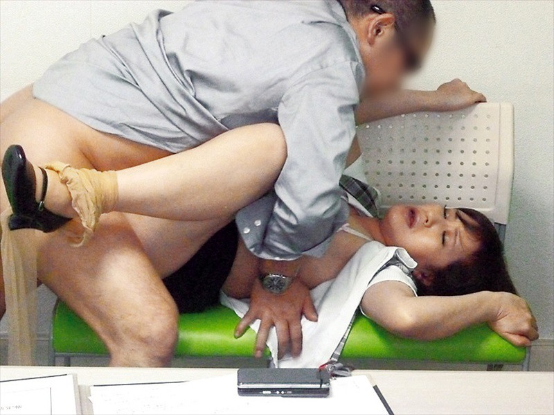 熟女にイタズラ×セクハラ痴姦240分 画像9