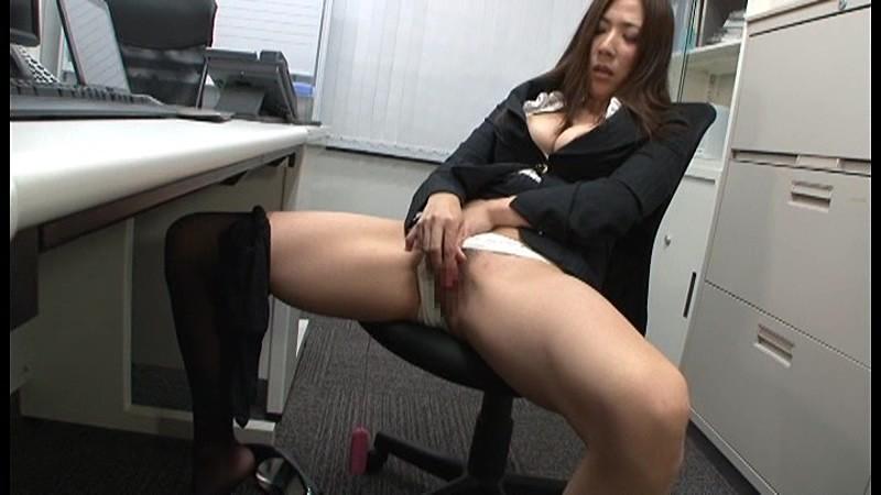 мастурбация девушек в офисе