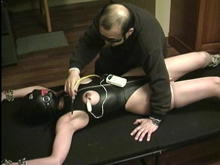 女体実験 剃毛電流針責め調教 画像3