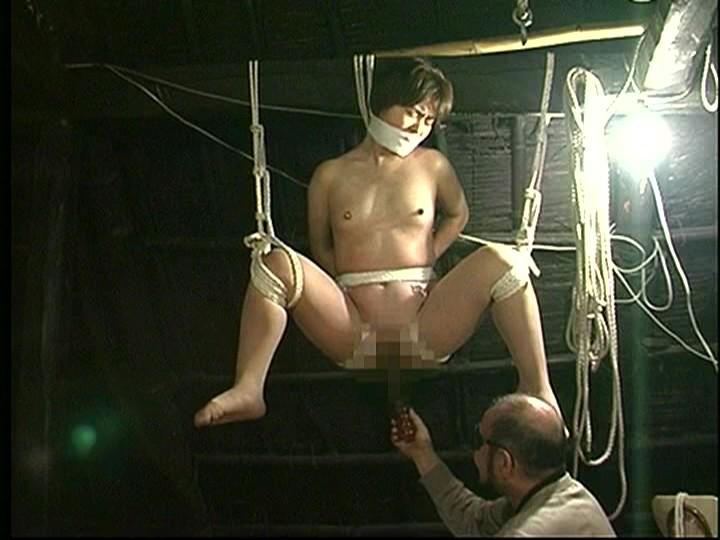 人妻密室監禁 浣腸注入・蝋責め・乱れ九尾鞭