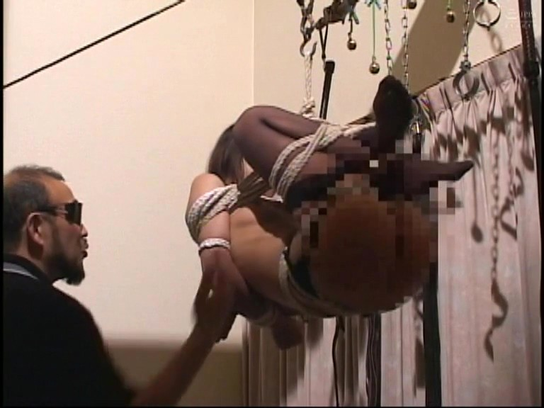 奴●志願妻 鞭打ち針刺し浣腸異物挿入電流責め