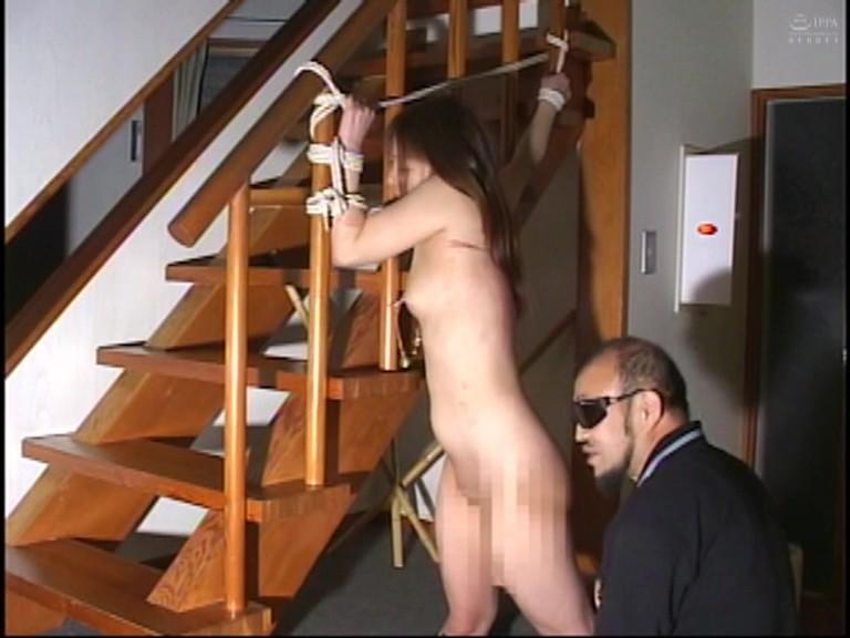 緊縛若妻 針・蝋燭・鞭打ち・カテーテルで強●放尿