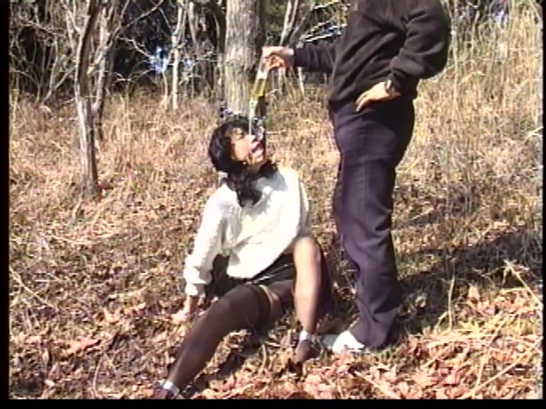 人妻メス奴● 鞭打ち・電流・野外浣腸責め