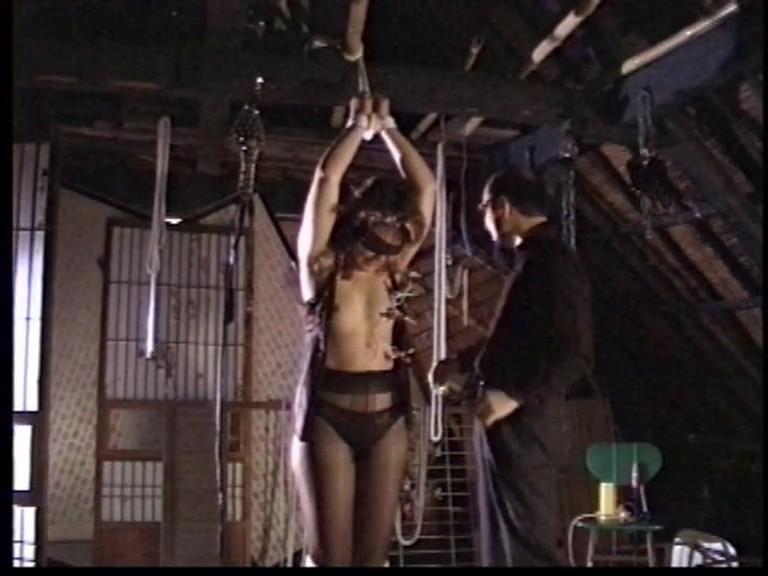 人妻メス奴●3鞭打ち鉄塔逆さ吊り異物挿入フィストファック 2