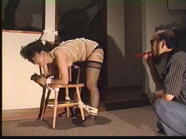 奴●志願妻 鞭打ち・逆さ吊り・吹き矢・水責め 画像19