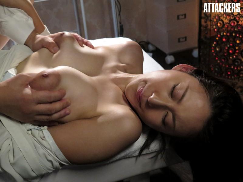 【人妻動画】松下紗栄子 ダンナ以外の男に揉みしたがれる人妻の乳房…