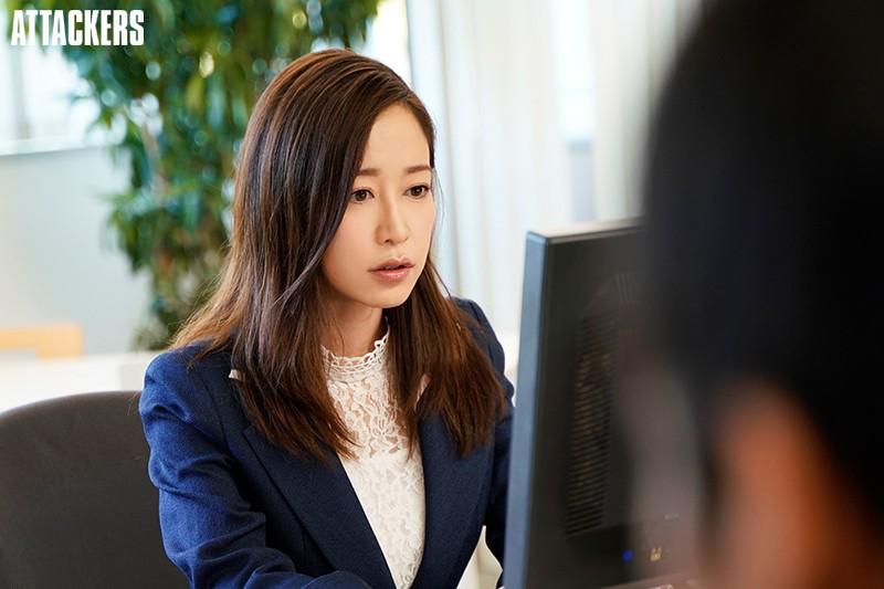 憧れの女上司と毎日深夜残業しています。 篠田ゆう 画像10