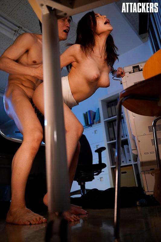 憧れの女上司と毎日深夜残業しています。 篠田ゆう 画像2
