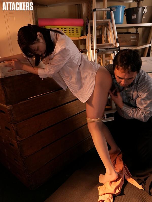 教育実習の為、母校に戻ってきた教え子と2週間中出しセックスし続けた変態教師。 二宮ひかり 画像9