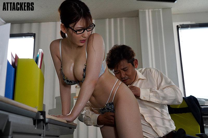 下着メーカーに勤める妻が、ランジェリーモデルをしていたなんて…。 前田桃杏 キャプチャー画像 1枚目