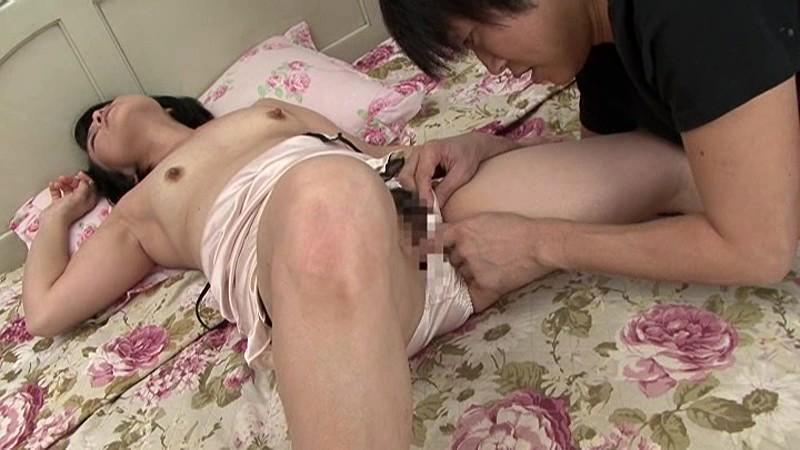 近親相姦 五十路のお母さんに膣中出し 橋田敏子|無料エロ画像14