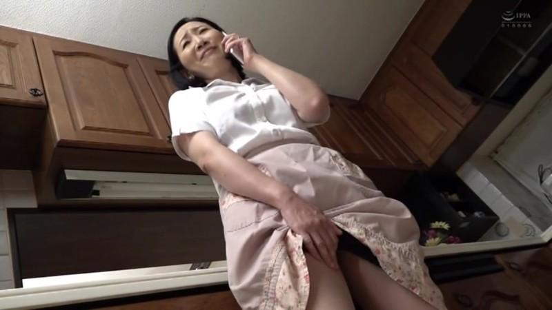近親相姦 五十路のお母さんに膣中出し 緒方泰子1