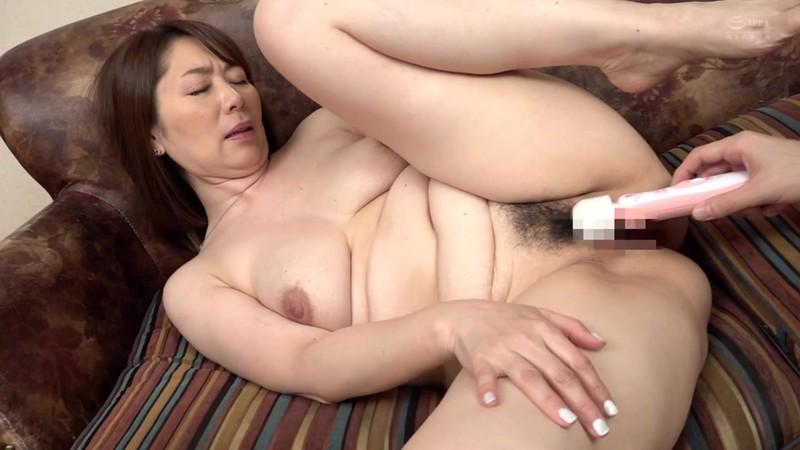 近親相姦 五十路のお母さんに膣中出し 翔田千里 5