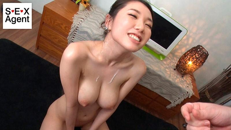 最高乳〜スレンダーHカップの素人新妻が大...