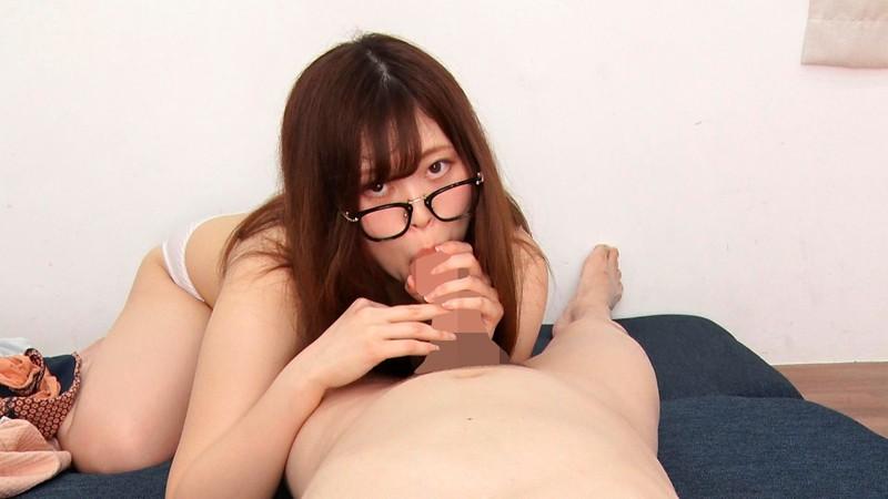 知的な眼鏡女性と見つめ合う完全主観フェラ〜いきり勃つ肉棒を見つめるフレームの向こう側の潤んだ瞳〜