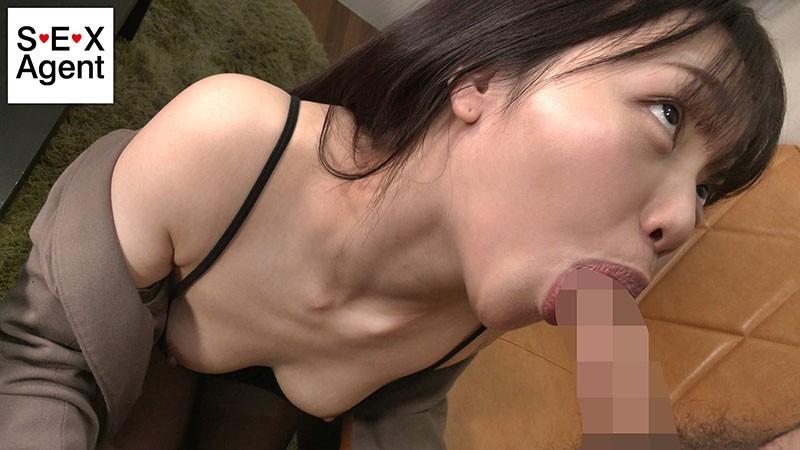 胸元ゆるゆるノーブラフェラ〜見えそうで見えない少し見える乳首〜8