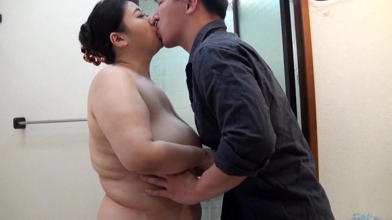 隣の奥様はPカップ凄乳肉塊妻 椿あき
