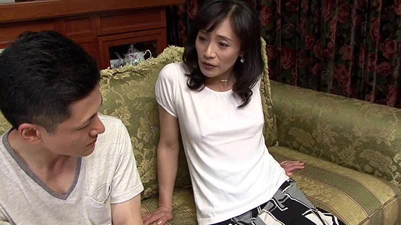 綺麗でいやらしい叔母さんの卑猥なマ○コと舌技に惹かれ寝取る僕 平岡里枝子 画像2